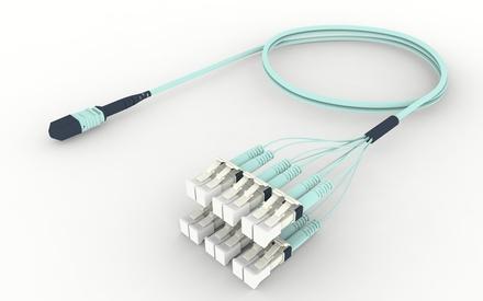Разветвительный кабель (гидра) MPOptimate® OM4 MPO12(f)/6xLC Duplex, UltraLowLoss, изоляция: Plenum, Полярность: метод А, t=-10-+60 град., цвет: бирюзовый