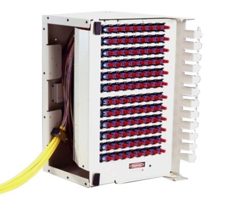 OMX600® Fiber Termination Block, претерминированный пигтейлами 144 LC UPC, SM, цвет: putty white, ориентация: right